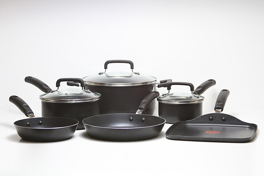 nonsticky cookware